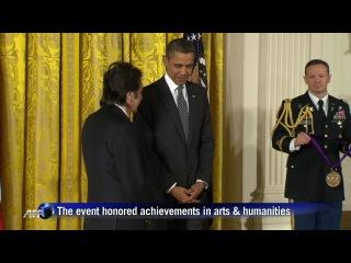 """Отрывок с вручением Аль Пачино президентом США Бараком Обамой """"Национальной медали в области искусств"""""""